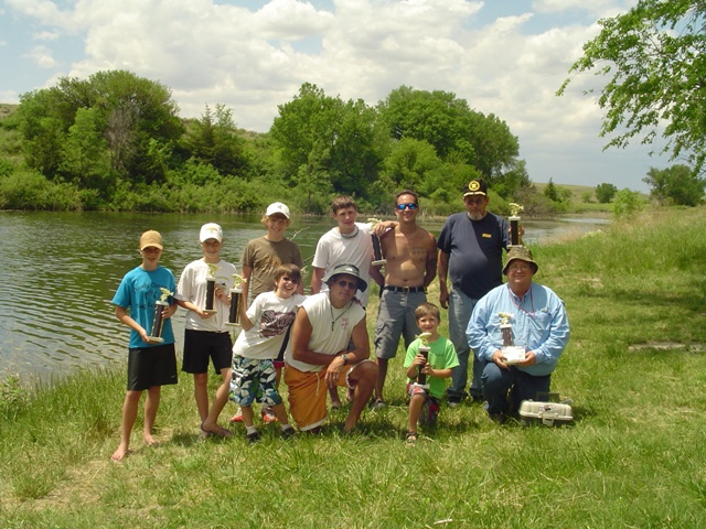 kayakfishinggroup08.jpg